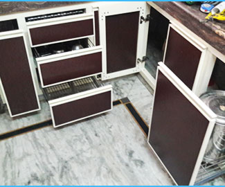 Aluminium Kitchens and Modular Kitchens work in ludhiana punjab